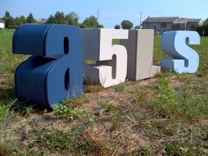portaoggetti a forma di lettere