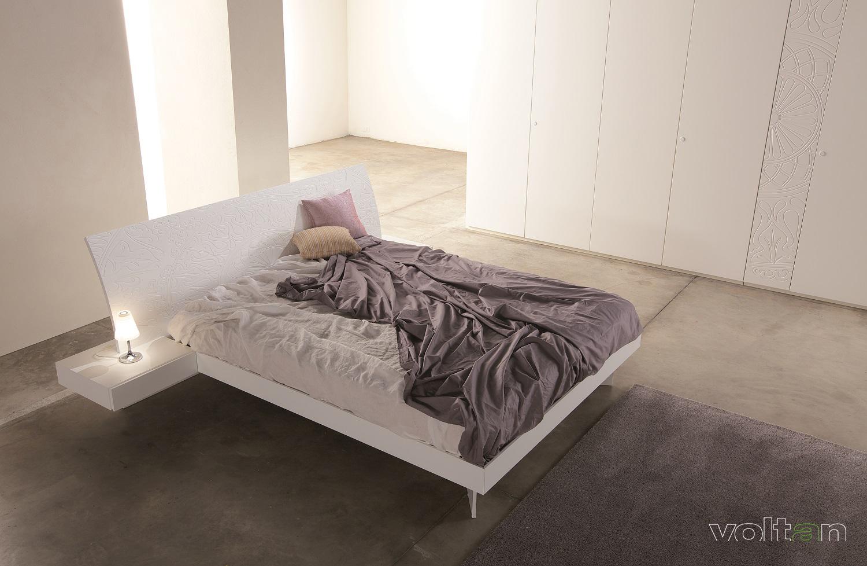 letto con comodini incorporati